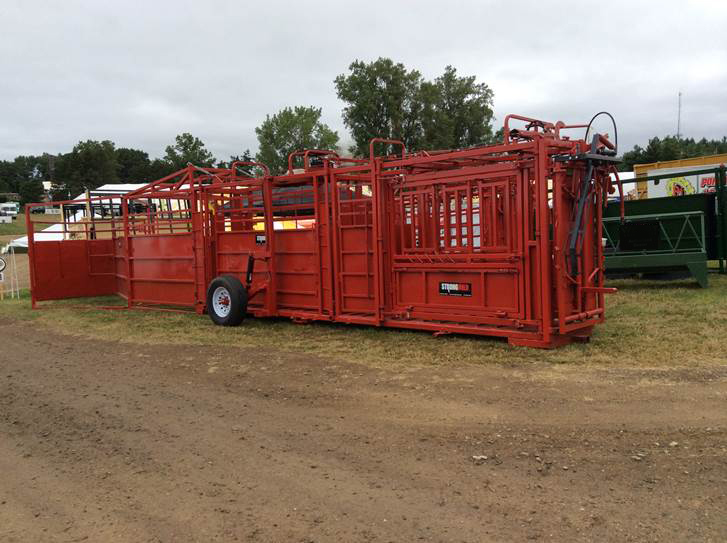 Cattle Chute 2100x Stronghold
